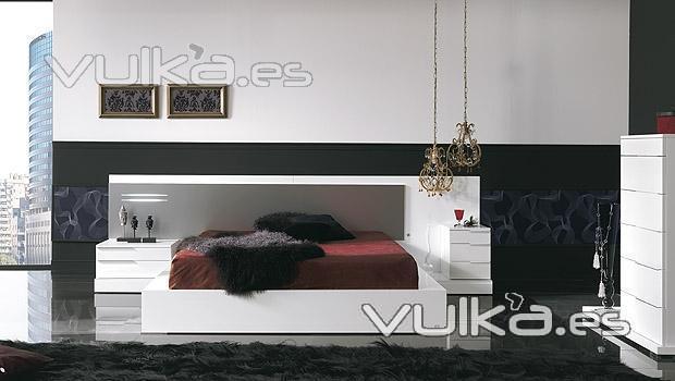 Foto dormitorio moderno con cabezal con cristal con luz - Cabezales de forja modernos ...