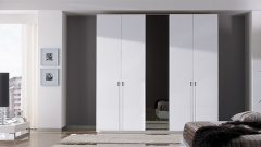 Armario puertas batientes con puerta espejo lacado blanco