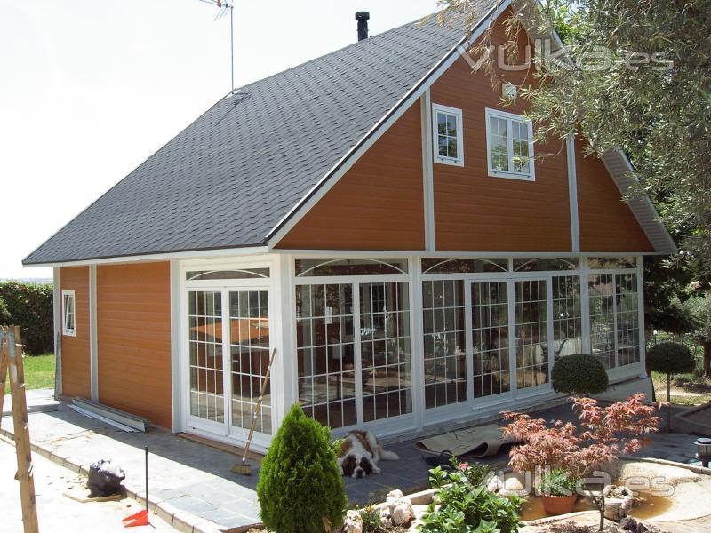 Casas de madera cenma s l for Canexel construcciones
