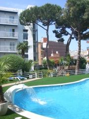 Terraza en la zona de piscina