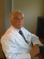 Dr. sol�, especialista en nefrologia, barcelona