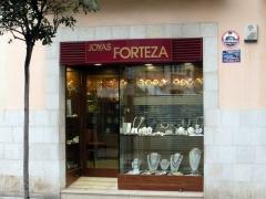 Joyas forteza fundada en 1885. cuatro generaciones de joyeros.