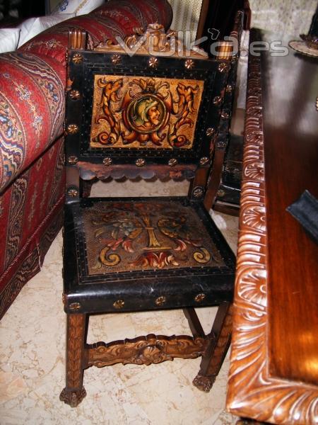 Foto silla de estilo renacimiento espa ol con asiento de - Sillas estilo espanol ...