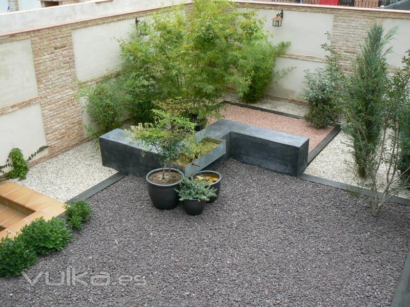 foto jardin bajo consumo y mantenimiento