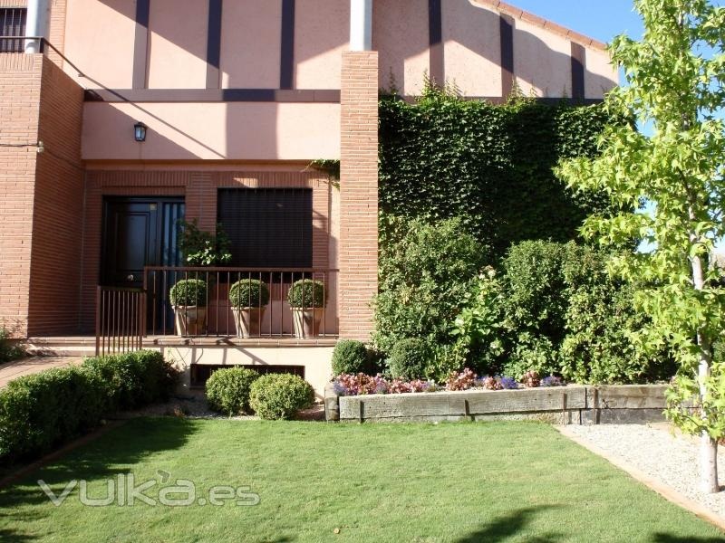 Azarbe jardines for Viviendas jardin