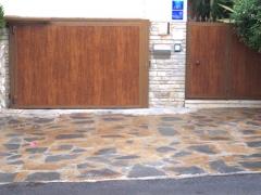Puerta batiente en imitación madera