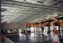 Cilindros y bafles suspendidos para piscinas y polideportivos