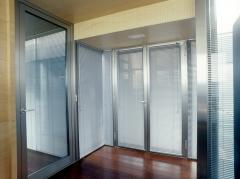 Las venecianas de aluminio pueden ir entre cristales haciendolas muy practicas y versátiles. ud. puede asilarse en ...