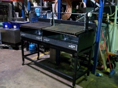 Barbacoa carbon 160x65x130cm 2 parrillas con ruedas 101_6010