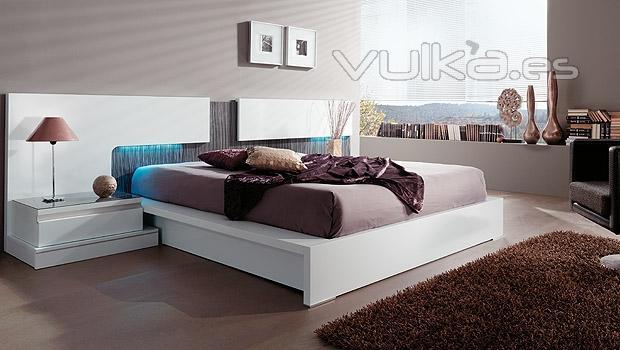 Muebles lacados en blanco brillo fabulous mueble de bao a - Muebles lacados en blanco brillo ...