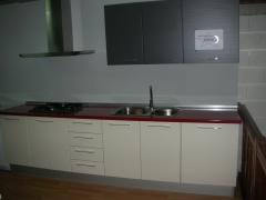 + muebles alto brillo 1095 euros, en bricolaje.