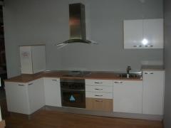 + cocina completa alto brillo con electrodomesticos a la descarga...2.250 eur