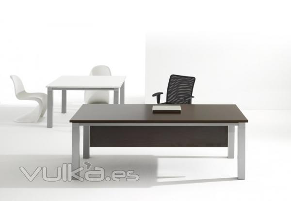 Foto mesa puesto de trabajo para oficina for Oficinas para buscar trabajo