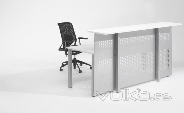 Foto mostrador recepcion recto para oficinas for Mobiliario de oficina recepcion