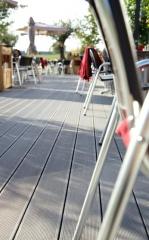Tarima tecnológica, perfecta en terrazas de verano