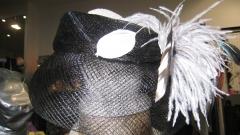 Casquete con plumas,exclusivo , en 4 estaciones
