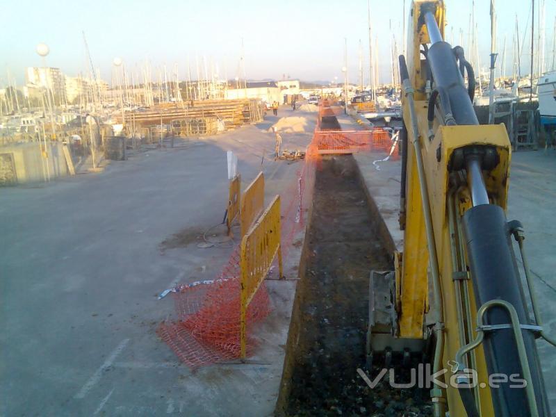 Substitució de pantalans i serveis al Port de Vilanova