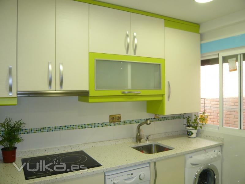 Como se monta una cocina excellent finalmente las bases for Monta tu cocina