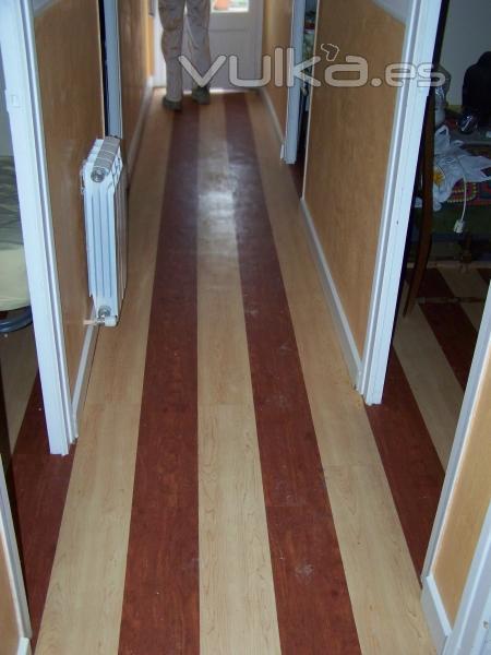 Foto pavimento vin lico en pasillos hotel - Suelos tecnicos precios ...