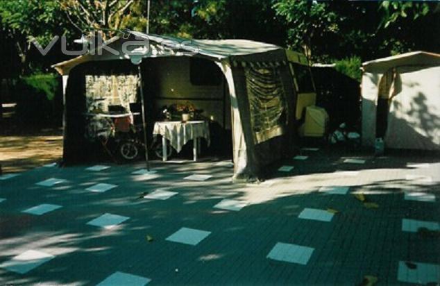 Foto losetas inerflex en camping - Suelos tecnicos precios ...