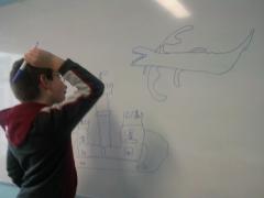 David dibujando en uno de sus descansos