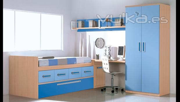 Foto mobiliario juvenil en color haya y azules for Mobiliario dormitorio infantil