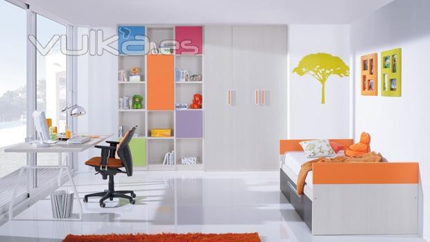 Foto habitacion juvenil con estanterias de colores - Estanterias habitacion juvenil ...
