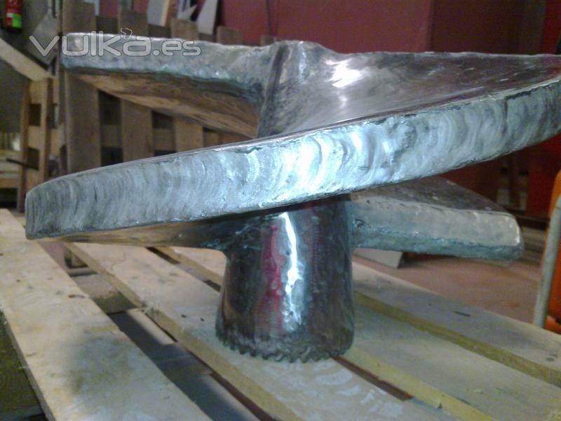 hélice cabecera componente de extursión de la industria cerámica a la que se le ha realizado un recargue ...