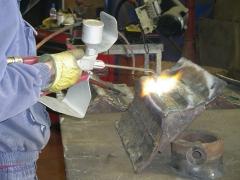 soldadura oxiacetilenica con soplete para micropulverizaciones para realizar recargues duros y metalizaciones. ...