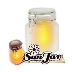 Tarro solar es un recipiente que guarda la luz del sol para ofrecértela cuando sea de noche