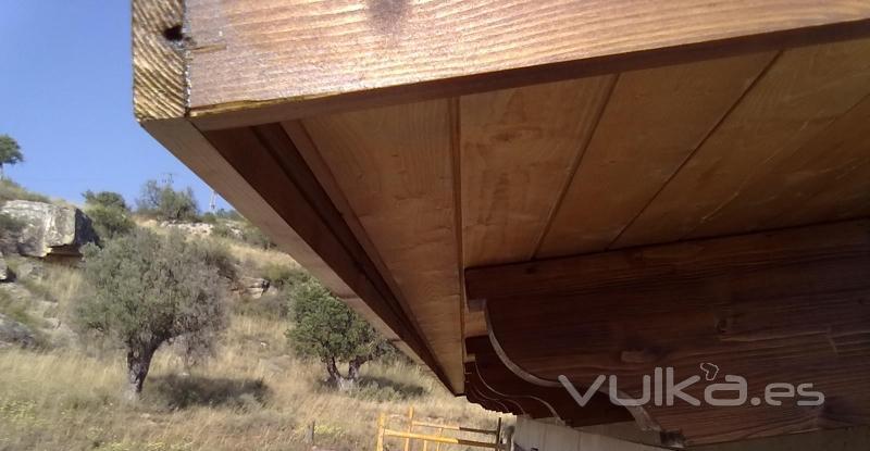 Cubiertas tecnicas en madera cutecma for Tejados de madera precios
