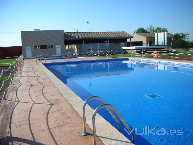 Foto piscinas en conchel huesca for Piscinas de monzon