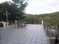 Amplia terraza en gavilanes