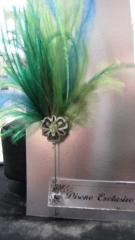 Alfiler ,agujon con plumas,ideal para detalle de boda