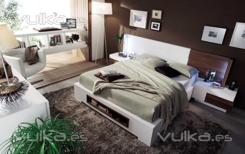 Foto programa elipsos bancada de la cama incluye zapatero for Cama zapatero