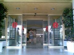 Puertas autom�ticas de cristal para paso autom�tico de personas. ideales para instalaciones hoteleras, ...