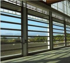Puertas seccionales de gran estilo, alta luminosidad, y gran limpieza. para aquellos ambientes, donde es necesario ...