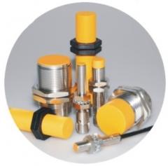 Detectores inductivos y capacitivos