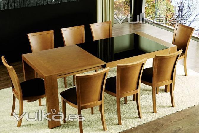 foto mesa de comedor en madera y cristal