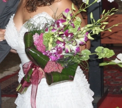 ramo de novia hecho con orquideas dendrobium