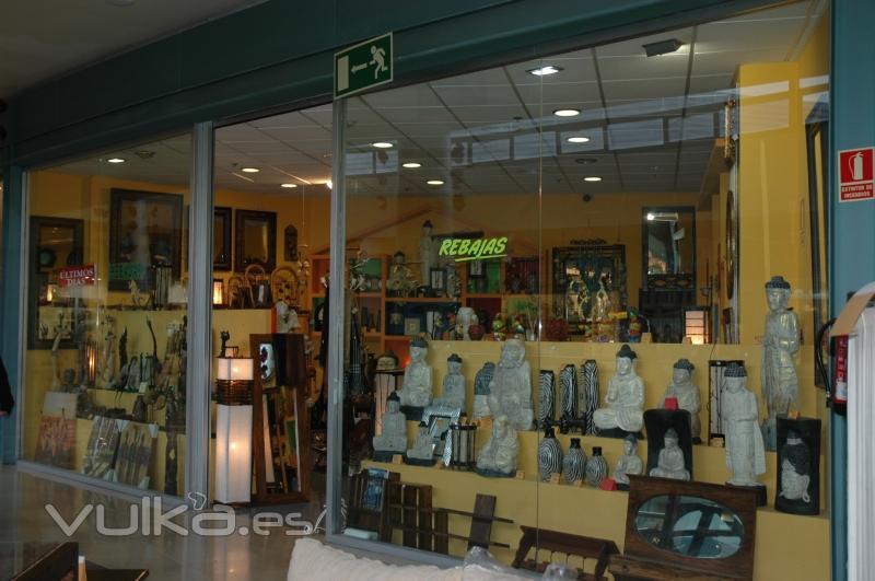 A1 decora regala ambiente decora regala for Factory muebles malaga