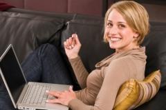 La modalidad semi-presencial facilita al alumno el estudio desde su puesto de trabajo de modo que en el ...
