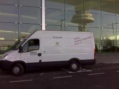 Alquiler de furgoneta con chofer en T-1 de Barcelona