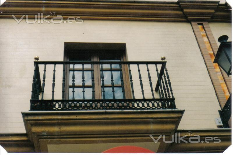 Foto balcon for Tipos de toldos para balcones
