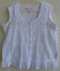 Blusa bordada con abalorios. peace & love. 16,50 eur