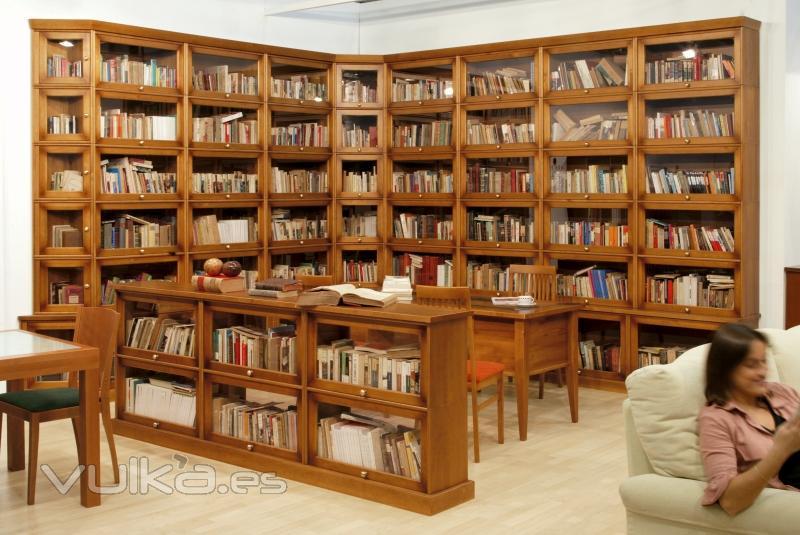 Foto bibliotecas helsinky personificadas for Bibliotecas muebles