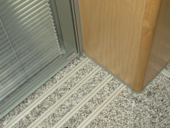 Tabiques / paredes de separaci�n y puertas correderas a medida para oficinas y salas de conferencia, ...