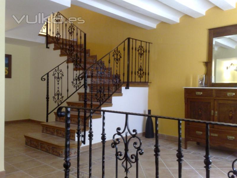 Foto barandilla de escalera fabricada en forja - Barandillas de forja para escaleras de interior ...