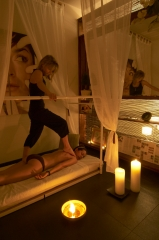 Massatge anti-estress EXCLUSIU I �NIC amb els peus de la Joana!