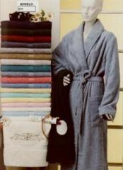 Albornoces bordados creart osona. los acabados son perfectos, al igual que sus formas y colores, con aplicaciones ...